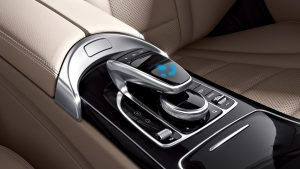 Centre console touchpad (source: Mercedes-Benz)